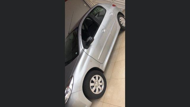 Peugeot 207 2010 1.4 - Foto 2