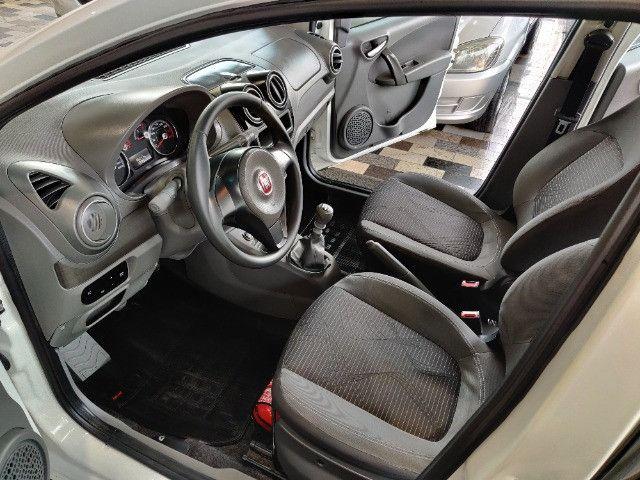 Fiat Palio atractive 1.4 Completo Ano 2014 com gnv ! - Foto 12