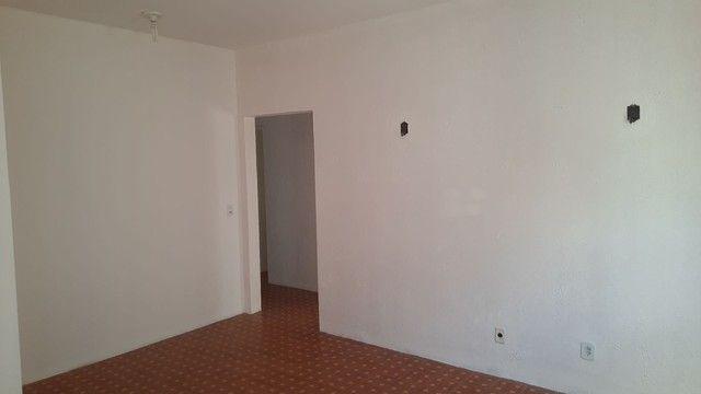 Apartamento três quartos, reformado, nascente, oportunidade! - Foto 9