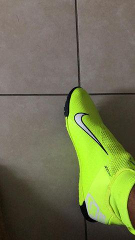 Chuteira Nike phanton vision amarela society pro 43 - Foto 2