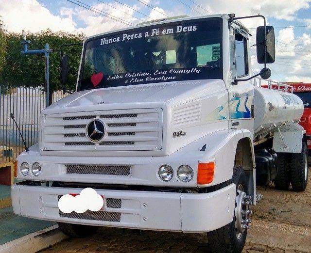 Caminhão 1218