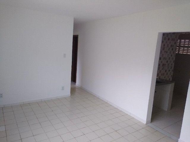 Apartamento no final de linha em Vale dos Lagos c/ 2 quartos + dependência - Foto 5