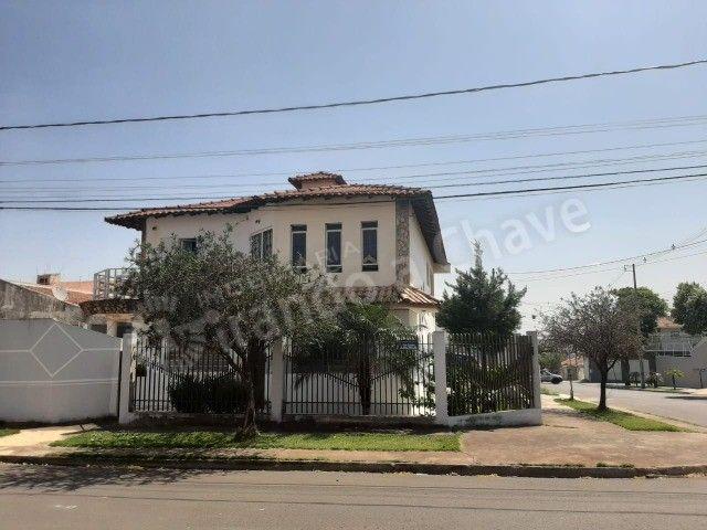 LOCAÇÃO; Sobrado próximo da Av. Sophia Rasgulaeff no Jd. Novo Oásis em Maringá