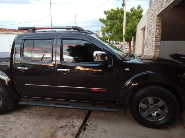 Nissan Frontier SV ATTACK CD 4x2  - Foto 6