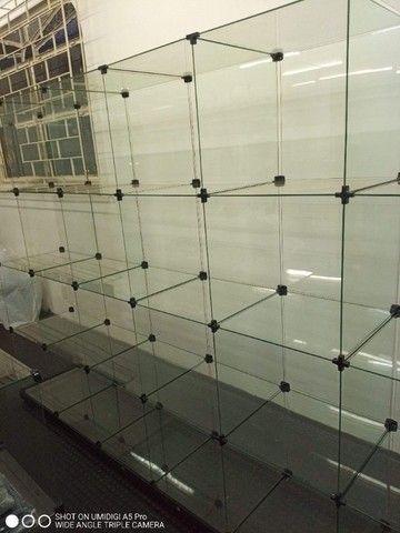 Estante casulo de vidro