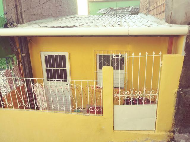 Casa no Jardim Santo inácio no precinho, quarto e sala