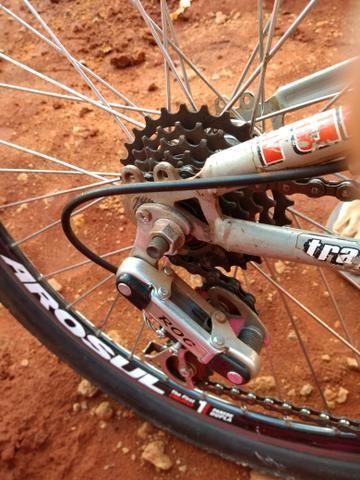 Bicicleta com amortecedor semi nova