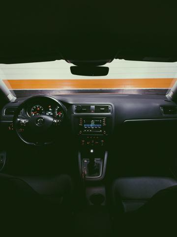 Volkswagen Jetta - 1.4 TSI Comfortline Gasolina 4P Tiptronic 2018 - Foto 5
