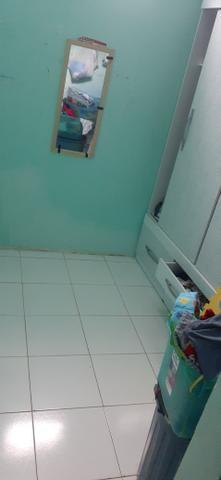 Vendo uma casa em Itapuã primeiro andar 2/4 sala ,cozinha e banheiro e área de serviço - Foto 6
