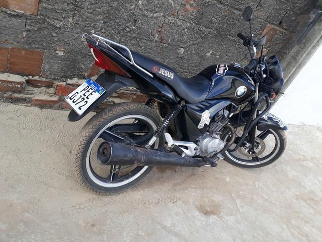 Moto 150 pra trocar em um carro, ano 2011, emplacada até 2020, sem multa