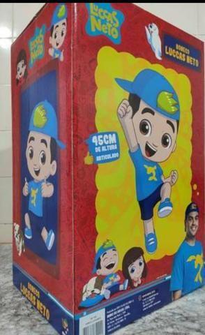 Boneco gigante original Luccas Neto.