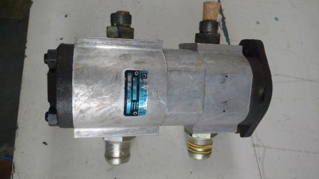 Bomba hidráulica dupla Mini retroescavadeira JCB 1CX, p/n 20/208800