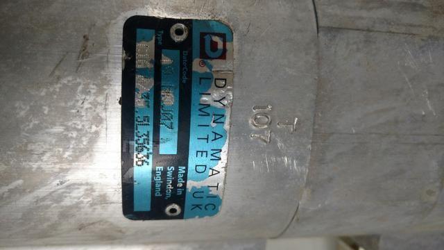 Bomba hidráulica dupla Mini retroescavadeira JCB 1CX, p/n 20/208800 - Foto 4