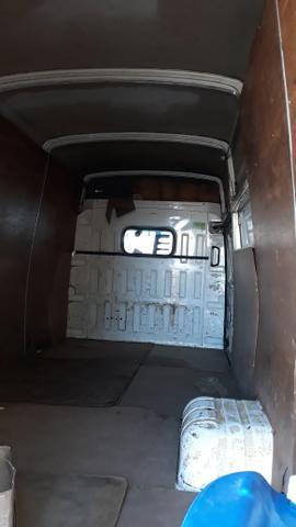 Iveco caminhão furgão - Foto 6