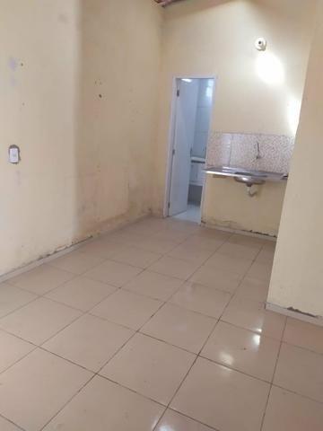 Aluga-se casa na Guaiuba - Foto 6
