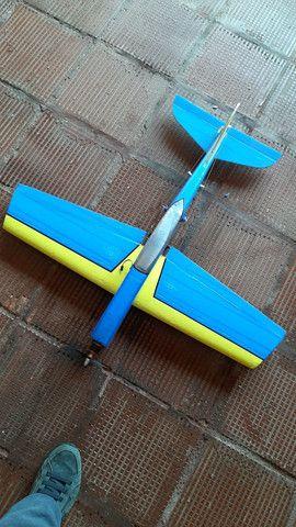 Aeromodelo Pylon em isopor.