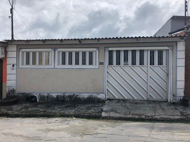 Vendo uma linda casa Localizado no Nova Cidade. Avista ou trocar + volta.