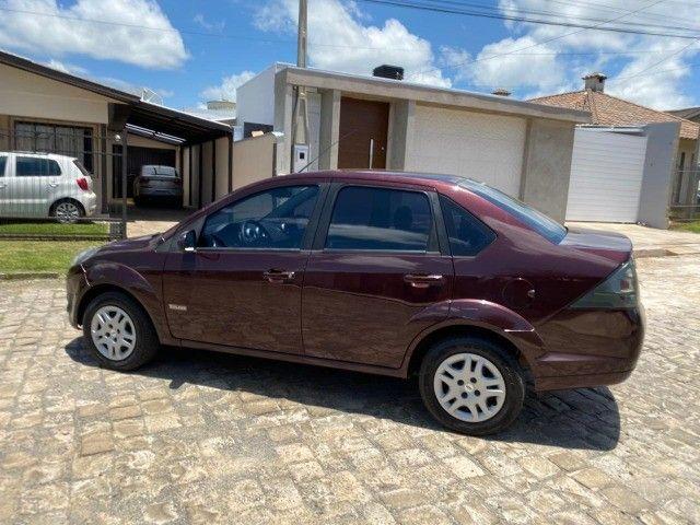 Fiesta 1.6 sedan impecável baixa km - Foto 4