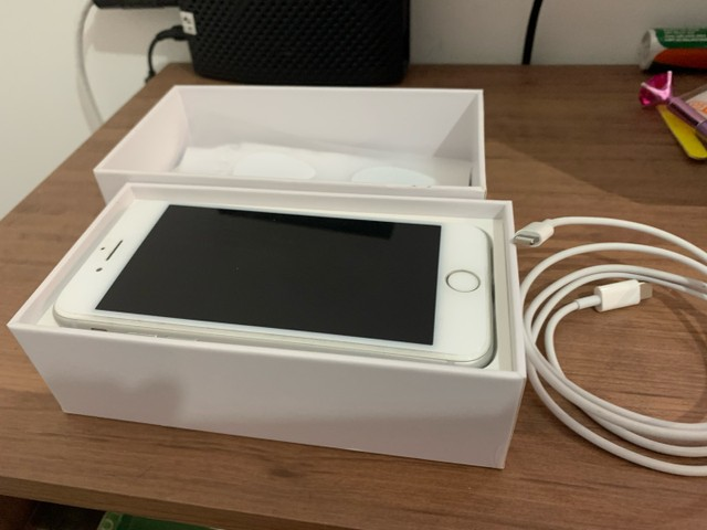IPhone 8 - Branco - 64 GB  - Foto 4
