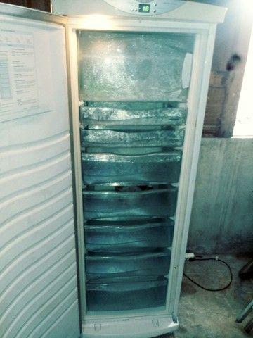 Vende-se um freezer vertical 280 LT - Foto 3