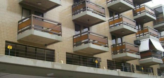 Vendo apartamento vazado, de canto, todo reformado, excelente localização