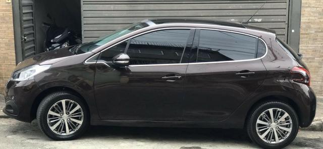 Peugeot 208 2017 marrom metalico