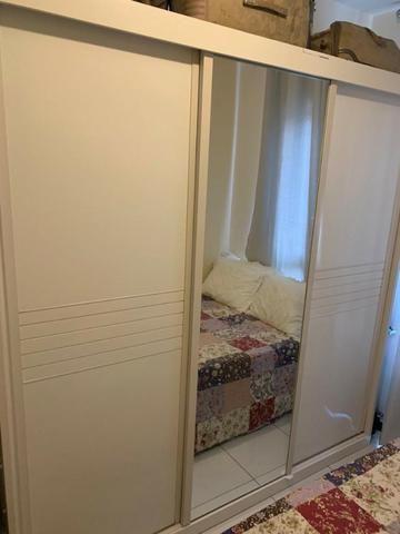 Apartamento mobiliado e decorado com excelente localização - Foto 7