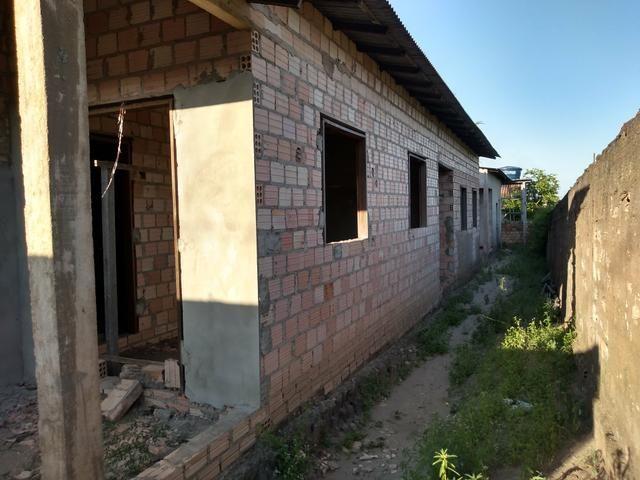 Terreno com três casas dentro estilo quit net