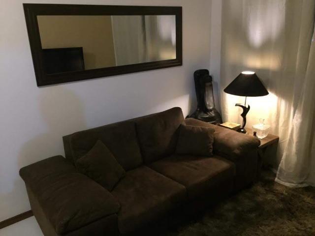 Apartamento mobiliado e decorado com excelente localização - Foto 2