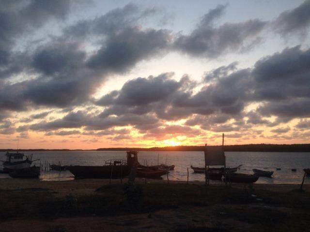 Casa mais Galpão em frete ao mar - Foto 5