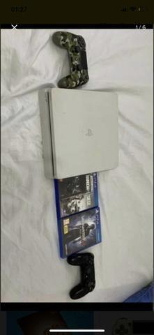 Vendo ps4 branco 500gb com 2 jogos e 2 controles