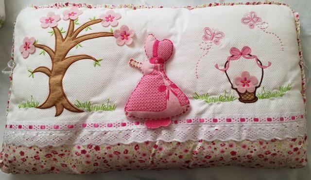 Kit de berço menina (Muito conservado) 4 peças branco e rosa