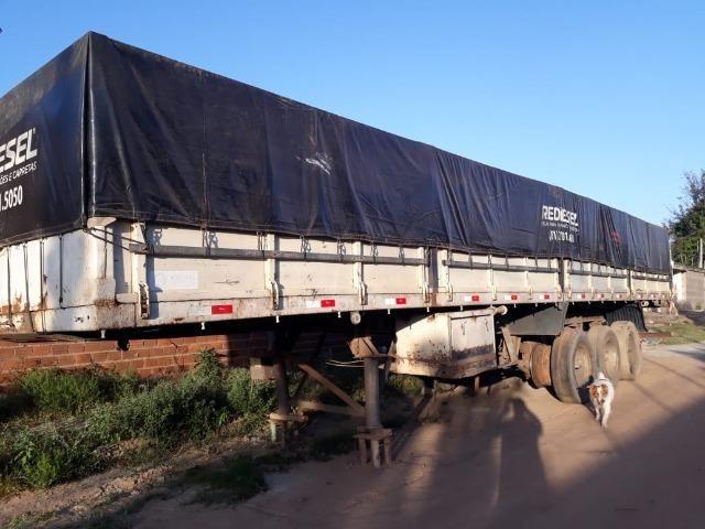 Carreta caminhão toco