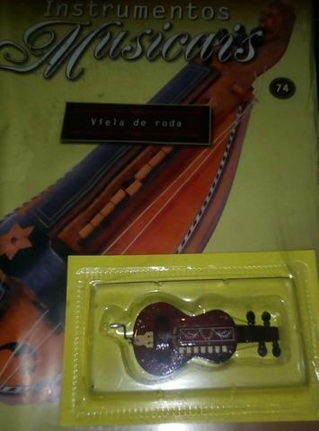 Antigo Fascículo de Instrumentos Musicais