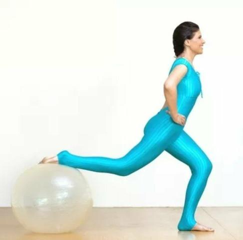 Bola Pilates Yoga Fitness 65 Cm C  Bomba Abdominal Ginástica ... e006a8280c67c