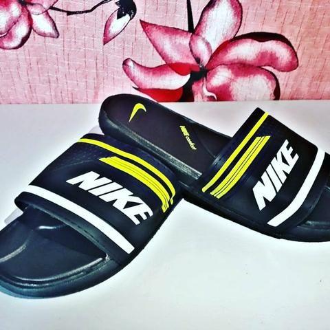Chinelo Nike - Preto