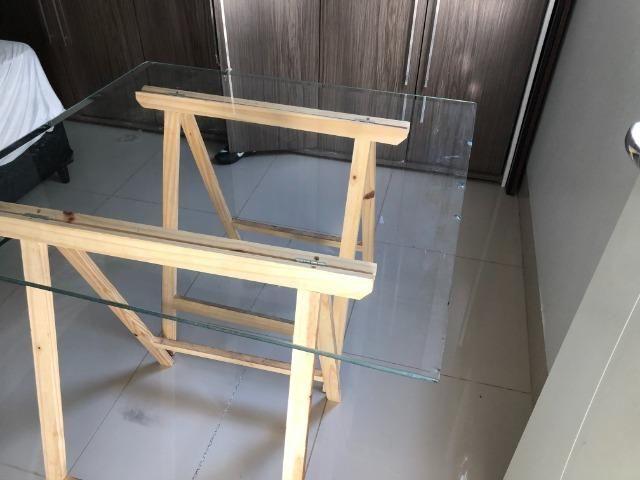 Mesa decorativa de Vidro com Cavalete - Foto 5
