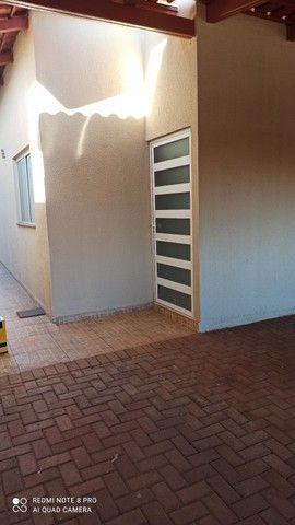 Casa geminada 3 quartos próx ao Hugol - Foto 2