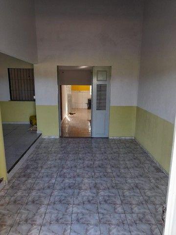 Alugo casa com 02 quartos e 01 suíte, situada na Avenida do Novo Fórum (Parnaíba-PI) - Foto 2