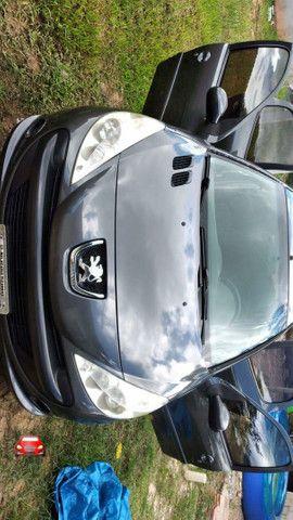 Peugeot 207 cinza ano 2010