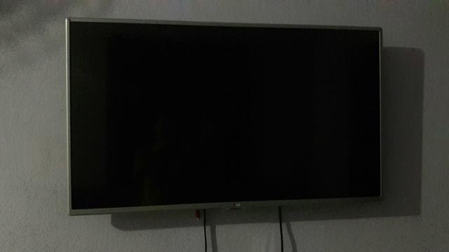 Vendo TV de Led Fuul HD de 43 polegadas