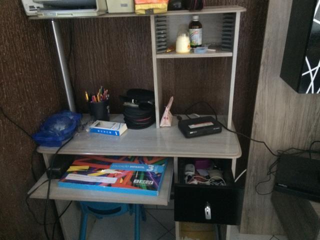 Rack ou estante para computador