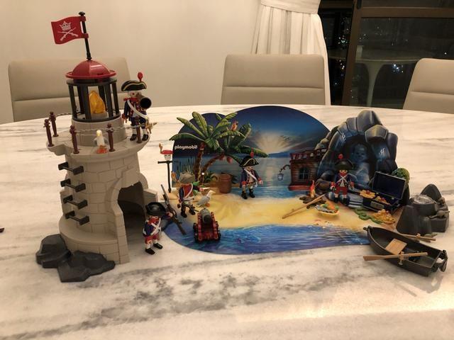 Vendo Farol + Ilha do Tesouro da Playmobil - Foto 3