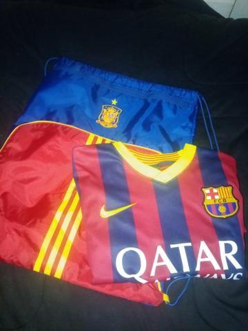 Kit camiseta + bolsa barcelona