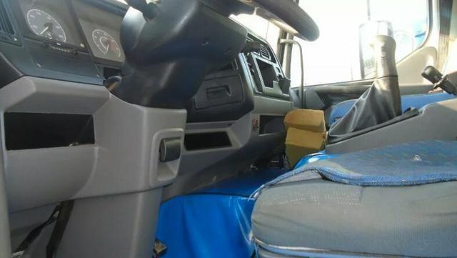 Caminhão caçamba volvo - Foto 4