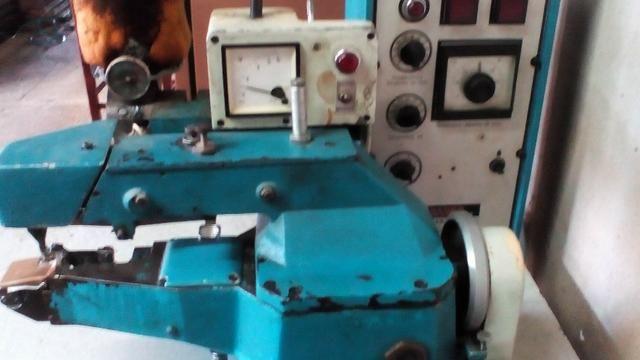Maquina de dobrar palmilha