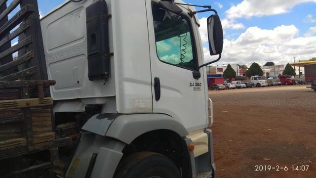 Caminhão 24.250 truck - Foto 3