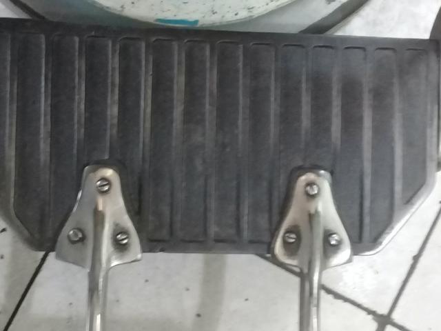 Cadeira antiga de barbeiro - Foto 3