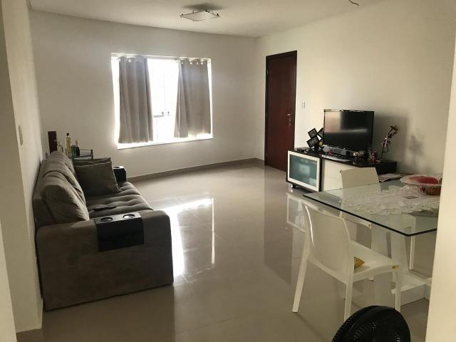 Apartamento no Edf. Águas Belas - Líder