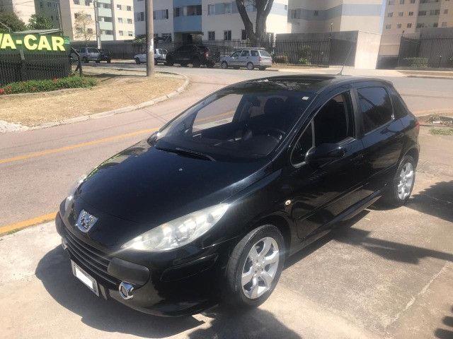 Peugeot 307 Hatch Soleil Presence Pack, couro, Teto Solar, total flex etc